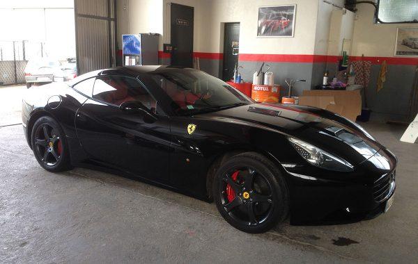 R9 – Ferrari California – Travaux de carrosserie et révisions