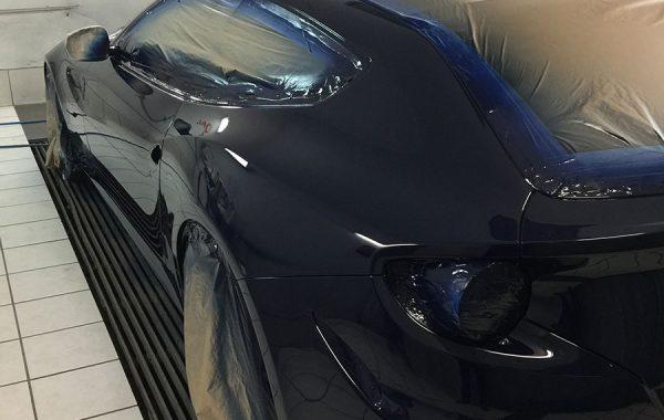 C4 – Ferrari FF – Peinture latérale